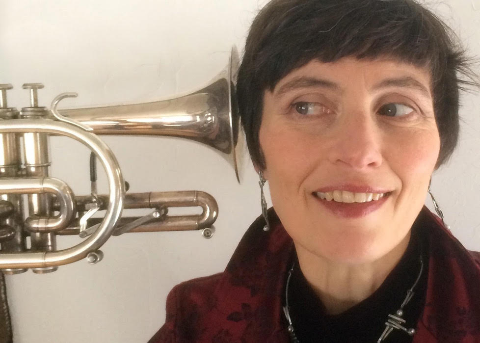 Portrait Almut_trompette à l'oreille